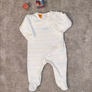 🛍🛍 Infant size 0-3 months cute sleeper 🛍🛍